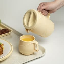 KH Moderne Insulated Jug Yellow Lifestyle